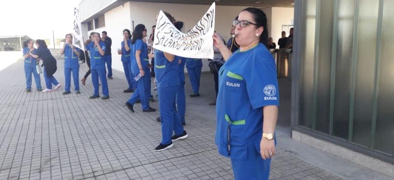 Los trabajadores de Eulen en San Pablo Sur exigen que se ponga fin a la discriminación que sufren en sus condiciones laborales desde hace 7 años